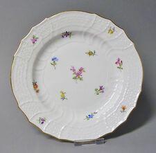(G989) Meissen Neubrandenstein Teller mit Streublumen, Goldrand, D= 18,5 cm