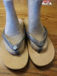 Vionic Thong Sandals w/ Button - Mona Size 8 Wide