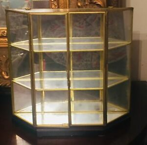Vtg Brass Glass Mirrored Back Double Door Shelf Curio Display Wall Cabinet Table