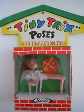 Rare Vintage 1966 Uneeda Tiny Trix Poses With Tiny Action Toys Kiddle Clone L2