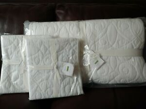 3pc Pottery Barn Washed Cotton White Quilt King Cal King quilt & King Shams NEW
