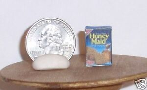 Dollhouse Miniature Food Box Graham Crackers 1:12 scale F15A Dollys Gallery