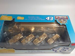 Richard Petty Racing Champions Semi with 4 Cars 24k gold plated STP 1of4343 1:64