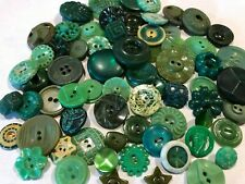 VINTAGE LOT 75+ SMALL  - MEDIUM  PLASTIC BUTTONS  ALL GREEN 1960'S FLOWERS