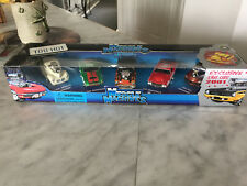 Muscle Machines Exclusive 2001 Xmas Diecast Cars 1:64 Scale (NEW) 2000