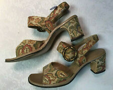 Vintage 1960s - early 1970s Ladies Woman Shoes