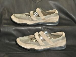 Propet women's taupe suede leather Mary jane style pumps shoes size US 8W (D)