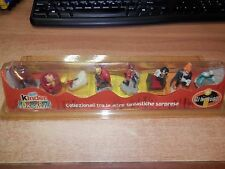 Collection The Incredible Kinder Surprise Complete with Box RARE Diorama
