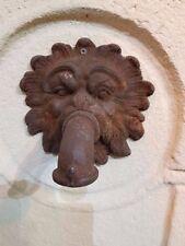 tête de lion avec robinet en fonte pour fontaine ou pour un bassin
