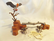 Playmobil 2 RARE Hyenas w/ Rock Landscape, Vulture for Zoo, Ark, Safari Animals