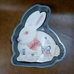 Ekco Bakers Secret Easter Bunny Rabbit Cake Pan Baking Dessert Party Mold
