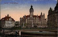 Leipzig Sachsen Color AK 1922 datiert Partie am neuen Rathaus Brunnen ungelaufen