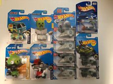Hot Wheels Scooby Doo, Angry Birds, Peanuts Snoopy, Despicable Me, Halo. 11 Cars