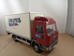 Britains no.40098 Iveco Cargo RSPCA ANIMAL Action Truck In 1:32 Scale.Diecast