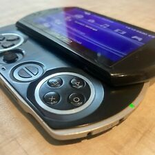 Sony PSP Go 16GB Piano Black Handheld System Gaming Console PlayStation + Case