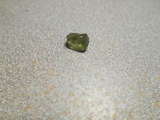Sapphire faceting rough. medium green color. 3.0 cts. clean. Umba.