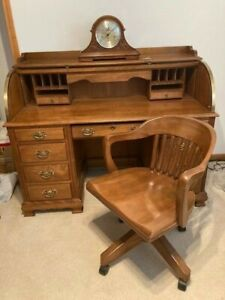 VINTAGE ROLL TOP EXECUTIVE DESK JASPER CABINET CO. & SOLID WOOD SWIVEL CHAIR