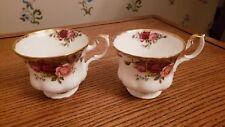 2 ROYAL ALBERT OLD COUNTRY ROSES TEA CUPS