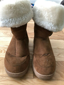 GIRLS BUTTON FUR LINED HOLLY CASUAL WINTER SNOW WARM BOOTS SIZE 7.5 40