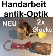 2x GLOCKE ANTIK OPTIK KUHGLOCKE ZIEGENGLOCKE HANDARBEIT DEKO LEDERRIEMEN SCHELLE