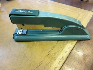 VINTAGE OLIVE GREEN SWINGLINE STAPLER 747 COLLECTIBLE MADE IN USA FULLY WORKING