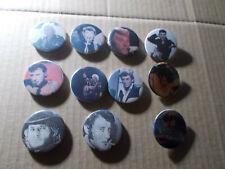 11  Badges diametre 38 mm  de  JOHNNY HALLYDAY originaux très bon état