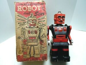 LARGE VINTAGE MARX 1954 BATTERY OP MULTI-ACTION ROBOT IN BOX. ALL ACTIONS WORK
