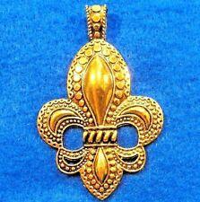 25Pcs. WHOLESALE Tibetan Antique Gold Large FLEUR DE LIS Charms Pendants Q0645