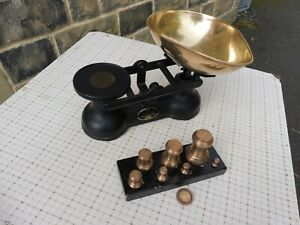 Vintage black SALTER cast iron scales with full set of brass weights