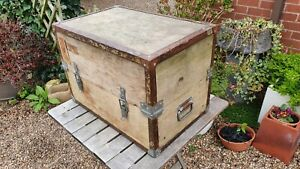 Nice Large vintage wooden equipment transport storage box chest coffee table.
