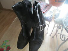 womens very well worn heels size12