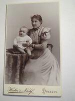 Dresden - junge Frau im Kleid mit Baby - kleines Kind / CDV