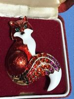 Pretty Crystal and Enamel Vintage Style Red Fox Pendant / Brooch