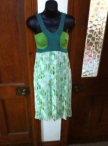 AMARILLO LIMON/ SPANISH DESIGNER DRESS/ SIZE SMALL (10)/  GREEN AND WHITE/ PARTY
