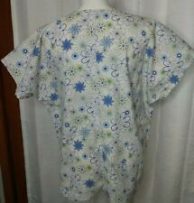 Sierra Scrubs Plus Size Flowers Green Blue White Two Pockets