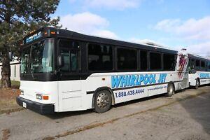 BlueBird Bus 2003 XCEL 35' White, Air Brakes Cummins 8.3, 260 HP, 39 Passenger