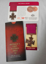 #D441. AUSTRALIAN UNCIRCULATED 2000 VICTORIA CROSS $1, TOKEN & REPLICA MEDAL