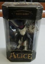 "AMERICAN McGEE'S ALICE ""WHITE RABBIT"" FIGURE 2000 EA / WORKSHOP TOYS, NEW MIB"
