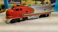 Athearn  Santa Fe F7 A super powered locomotive train engine HO