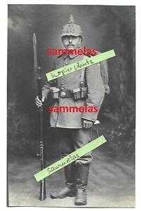 WK1 Foto RIR.111 Ausmarschfoto Pickelhaube Überzug Soldat aus Neustadt Sch. 7502