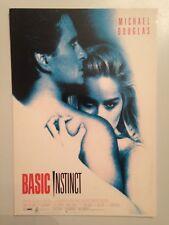 CARTE POSTALE BASIC INSTINCT / MICHAEL DOUGLAS - SHARON STONE
