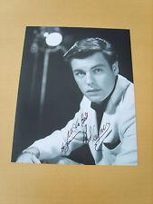 Robert Wagner Genuine Autograph - UACC / AFTAL.