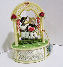 Enesco Music Box - Small World of Music - Couple Kissing in Swing - 1997