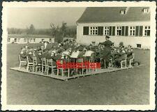 E8/4 WW2 ORIGINAL PHOTO OF GERMAN WEHRMACHT BANDSMEN