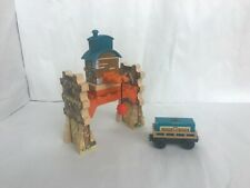 Thomas Wooden Railway Misty Island Crane with Cargo Car and Container