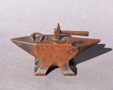 Ancien encrier en forme d' Enclume miniature en bronze - fin 19e, début 20e sièc