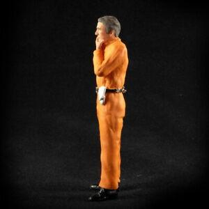 Mechaniker nachdenklich oranger Overall Figur 1:18 Figurenmanufaktur