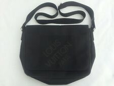 Louis vuitton geant black messenger authentic
