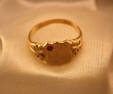 100% Genuine Vintage 9ct Yellow Gold Signet Ring with a Ruby.