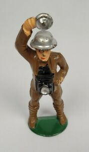 Vintage Barclay Manoil Lead Toy Soldier Photographer With Camera 1930's